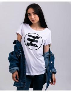 Tricou alb femei bumbac organic logo negru ByEDA frontal prim plan
