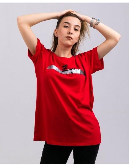 Tricou unisex bumbac organic ByEDA Streetwear rosu fata frontal prim plan